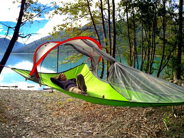 campeggio tenda sospesa